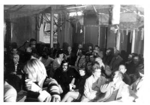 BHW-actiecomité van wbv De Eendracht organiseert weigering huurverhoging en gaat girokaarten ophalen. Bewoners zijn ook tegen renovatieplan Eendracht met 108% huurverhoging. BHW publiceert rapport klachtenonderzoek achterstallig onderhoud. BHW-actiecomité mobiliseert bewoners. Bestuur treedt af. Nieuw bestuur met BHW-leden voert huurstop door vooroorlogse woningen. 1972-1973-1974 BHW-buurtcomité Eendracht houdt buurtvergadering. 1973 lokatie?